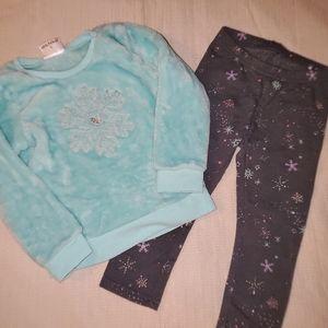 2 T fleece shirt and fleece leggings